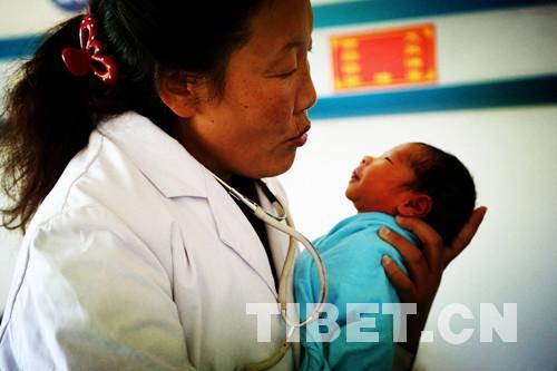 洛桑卓玛:亲眼见证西藏基层医疗卫生事业的长足发展