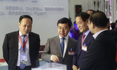 魏民洲、上官吉庆参观2016丝博会 为西安代表团鼓劲