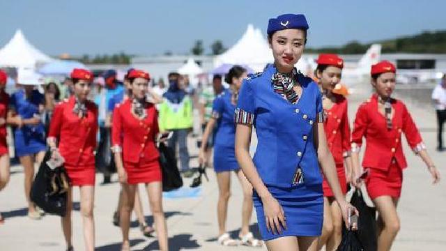 """第五届法库飞行大会上演""""国际航空模特秀"""""""