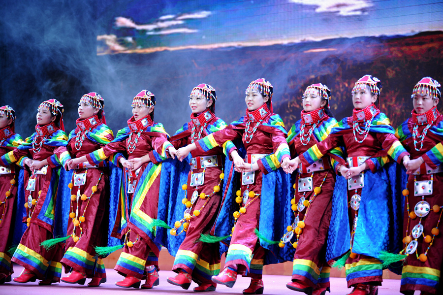 西藏第一所中学迎来60年校庆