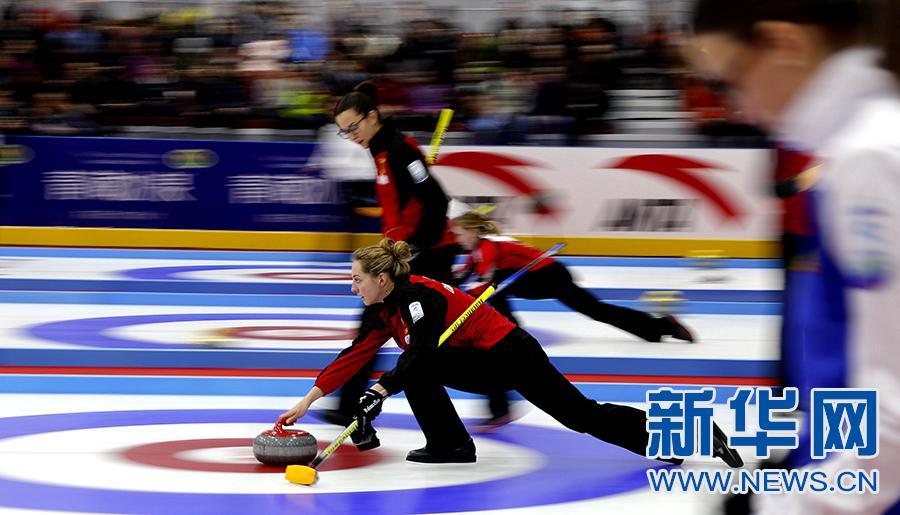 """十三分之一秒:青海国际冰壶邀请赛里的""""慢""""世界"""