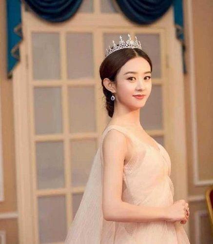 那些佩戴皇冠的女星 赵丽颖女王范儿佟丽娅美了不止一