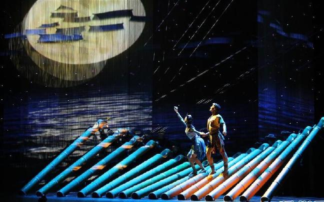 中国首部3D舞剧《侗族传奇》在新加坡上演