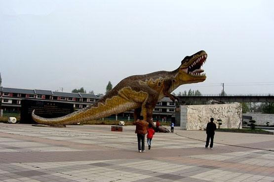 走进西峡恐龙园 近距离体验世界大奇观