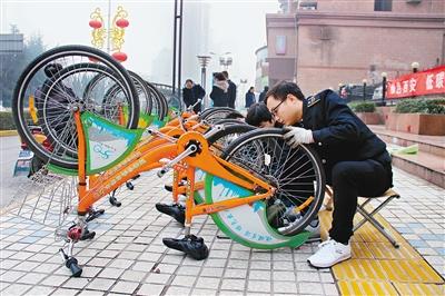 """西安公共自行车""""更新升级"""" 下半年市民可扫二维码租还车"""