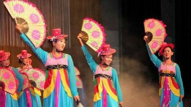 沈阳市将舞台搬进社区专业演员与百姓面对面