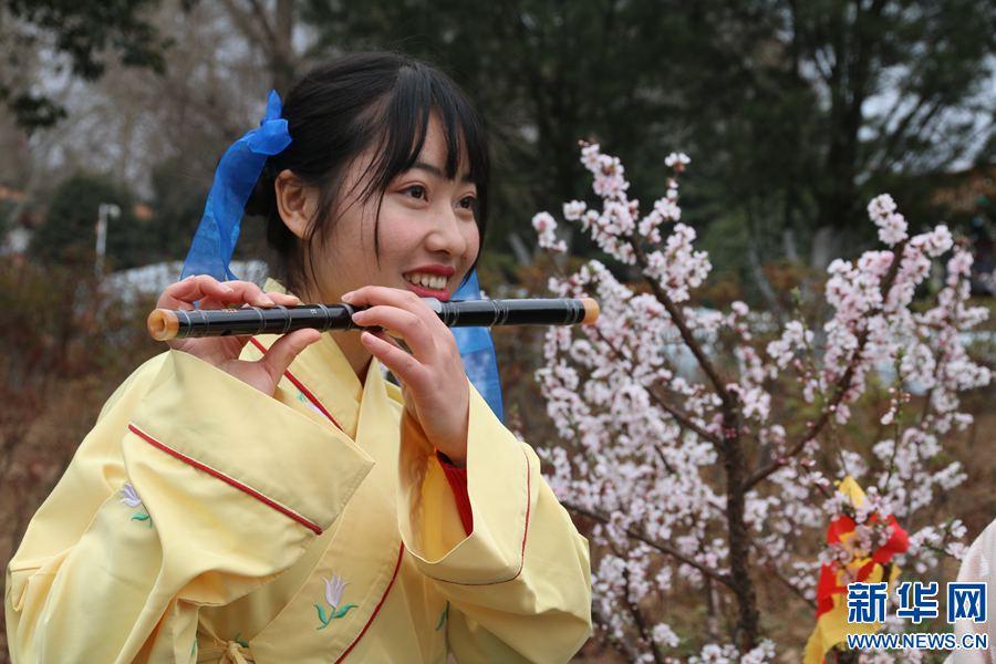 河南洛阳:再现花朝节习俗