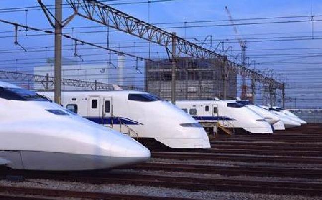 云南出台高速铁路安全规定 线路保护区内禁放飞行器、风筝等