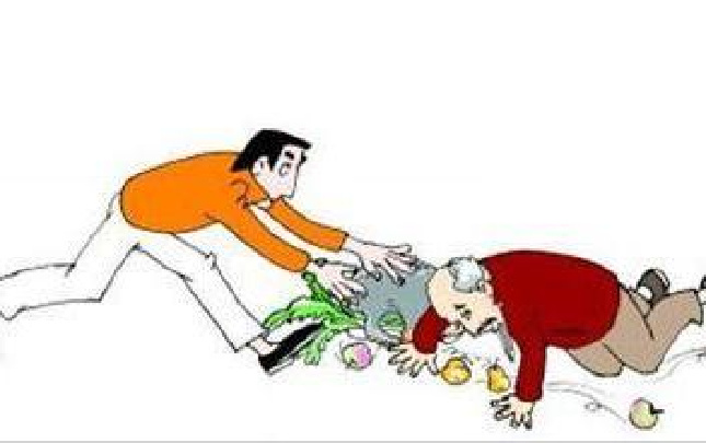 商丘七旬老人骑车下坡摔倒 民警又扶又垫药费