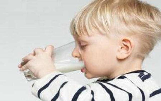 喝牛奶不舒服?10个问答全搞定