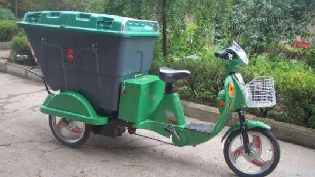 沈阳:100台电动保洁车赠给环卫工