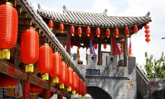 西宁旧城老街亮相 仿古建筑再现河湟传统文化