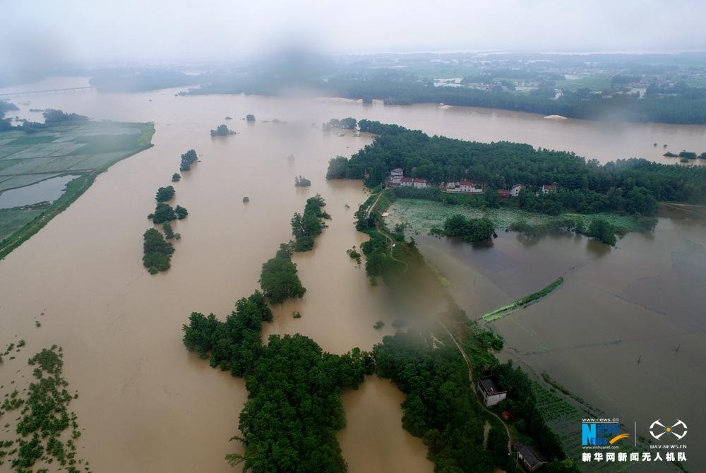 新华网航拍:安徽怀宁溃堤、救灾现场