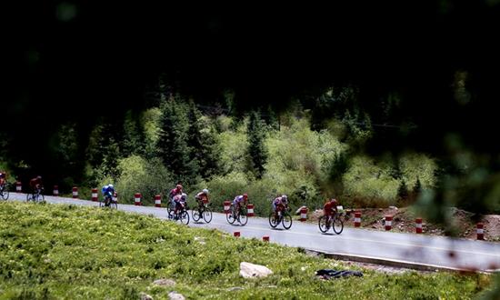 比赛距离过200公里外加两个爬坡点环湖赛迎来最难赛段