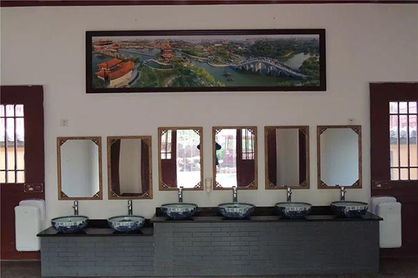 """清明上河园:""""厕所革命""""提升旅游品牌"""