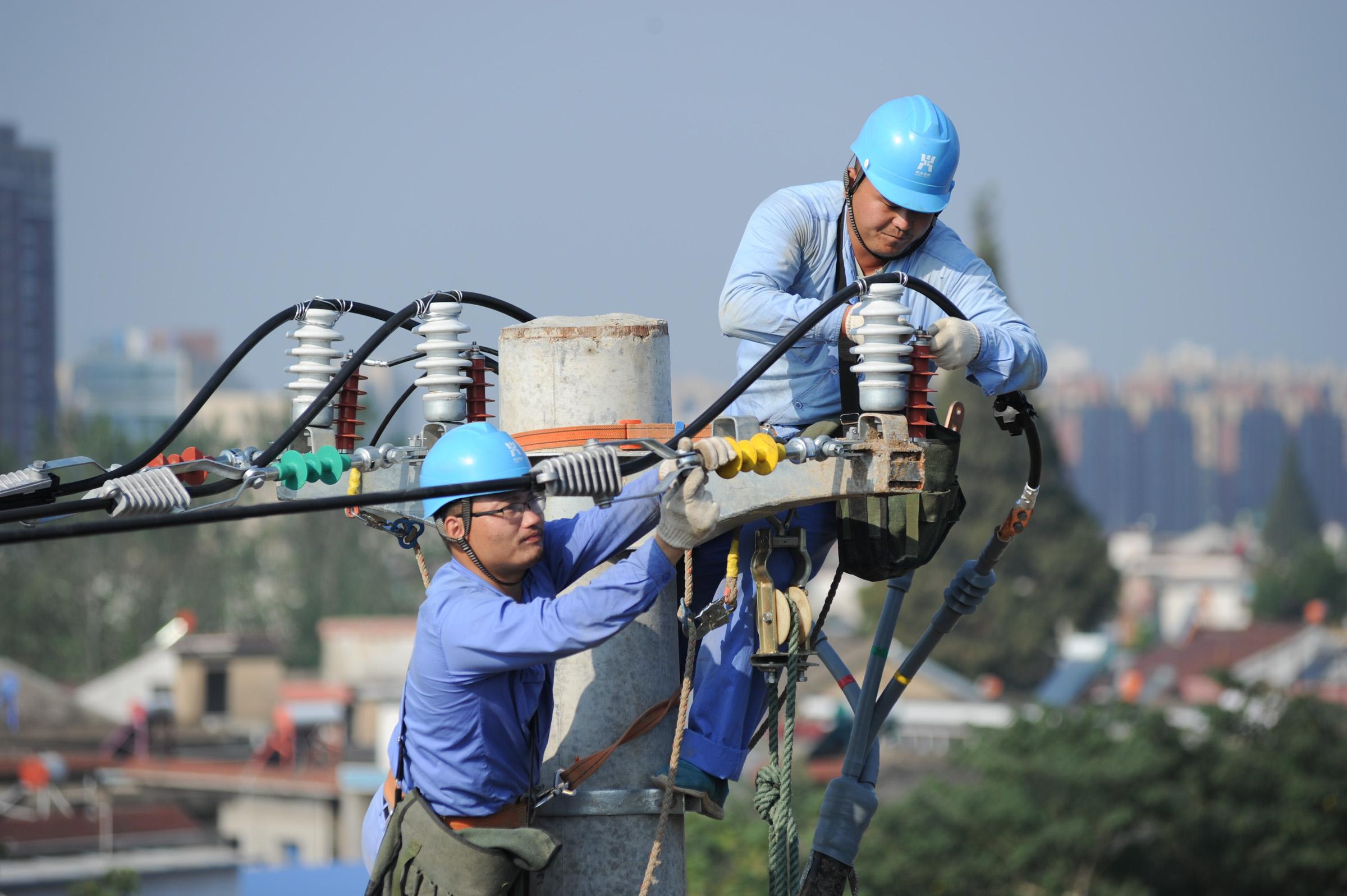 安徽巢湖:杆线迁改保障铁路运输能力