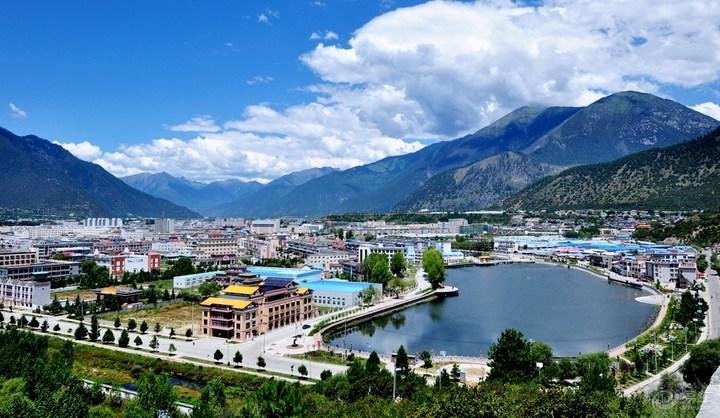 西藏自治区发展咨询委员会召开专题会议