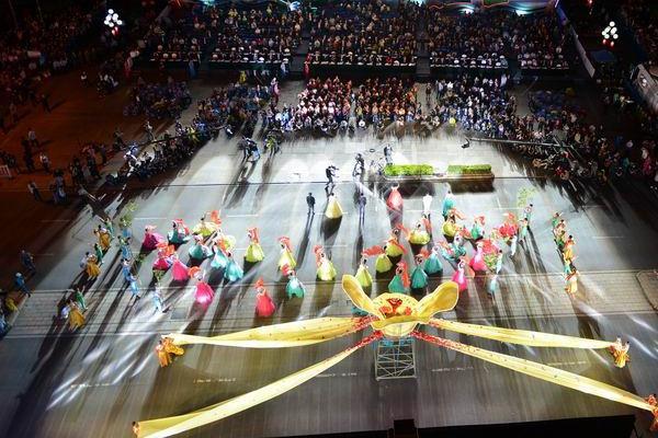 第六届桂林国际山水文化旅游节艺术巡游精彩登场