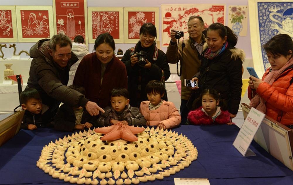 第二届安徽省剪纸艺术节暨阜阳文博会开幕