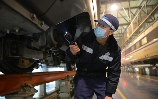郑州铁路局动车段严查隐患保春运