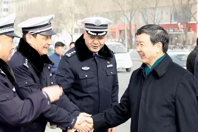 王晓勇王正升看望西宁交警