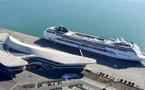 """国内首条""""环中国海""""邮轮航线开通"""
