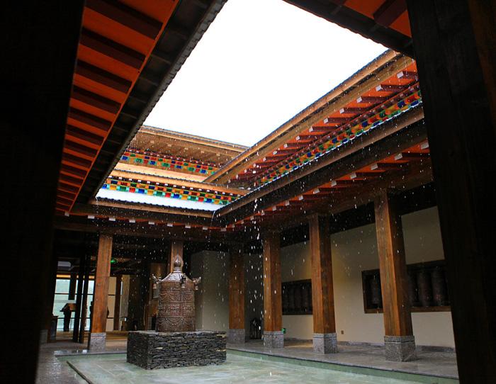央企保利助力西藏鲁朗小镇打造高端旅游供给
