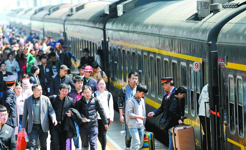 清明小长假客流高峰到来 合肥站安排增开列车7.5对