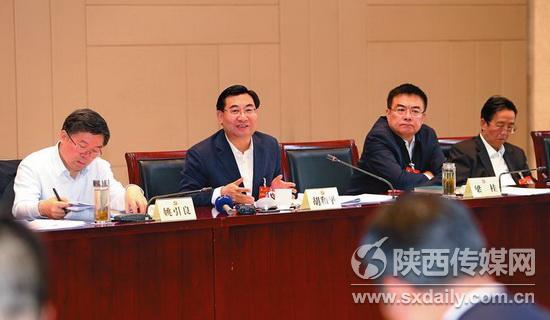 胡和平:深入实施创新驱动发展战略 加强县域经济和城镇建设