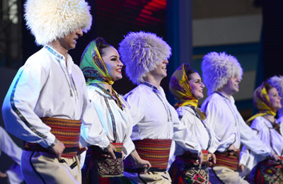 塞尔维亚风情热舞亮相丝博会