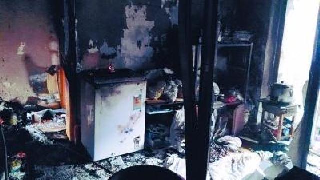 沈陽:液化氣罐突然著火 八旬老太用棉被蓋住