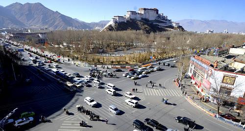 西藏自治区通报全区经济工作并作出重要安排和部署