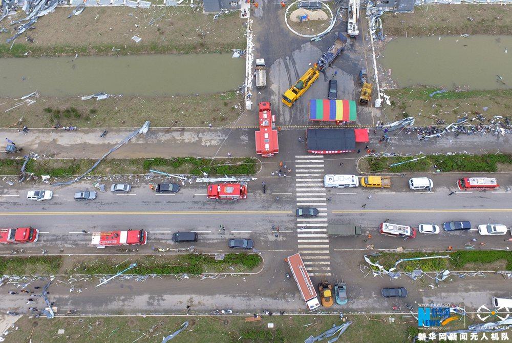 新华网航拍:江苏盐城市龙卷风受灾救援现场
