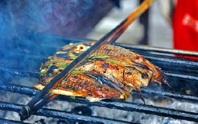 傣族烤鱼 清香四溢的美味