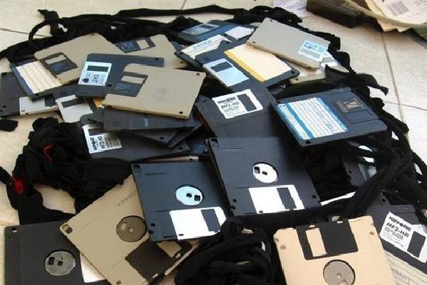 你还在用吗?盘点8大过时电子产品