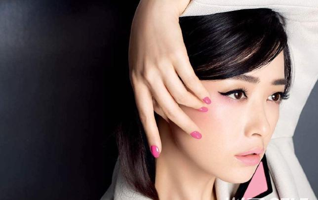 蒋欣演绎美妆大片气场十足 高冷的娘娘也很美