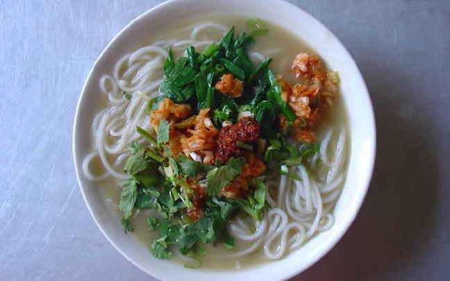 云南华宁豆汤米线回味无穷