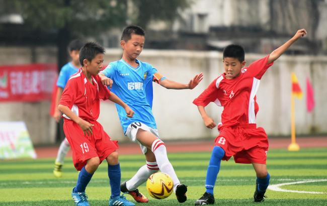 安徽合肥:足球竞技乐享假期