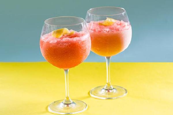 来一杯桃红鸡尾酒绵绵冰吧
