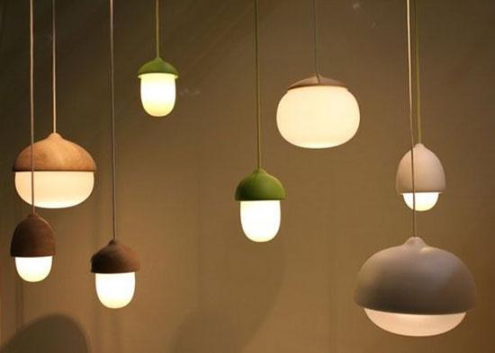 橡子、蘑菇、水滴、雾 用灯记录大自然的形状