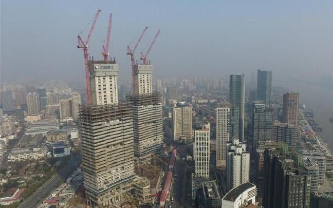 """航拍上海最高""""双子楼"""""""