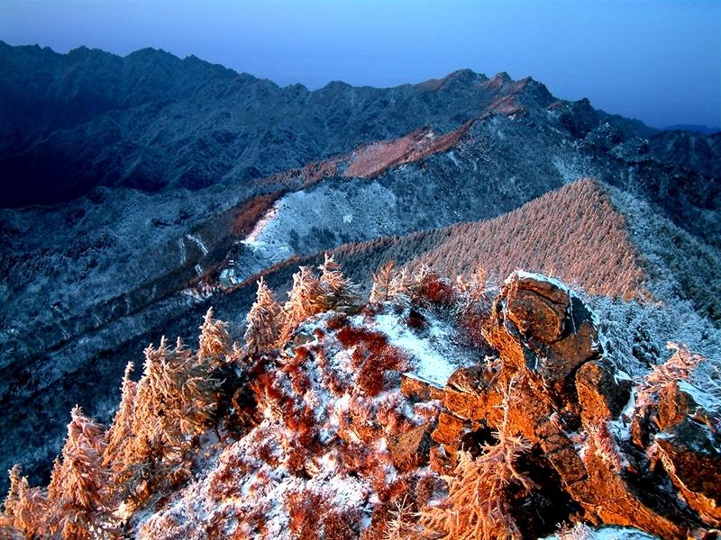 冬季太白山唯美冰雪世界 银妆素裹彰显神秘圣洁