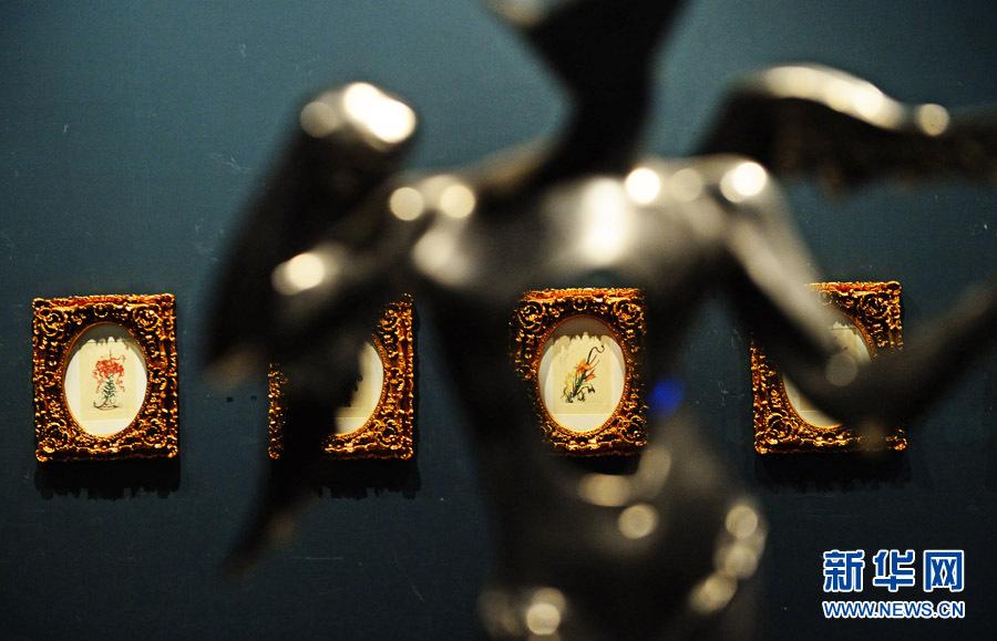 """""""达利的派对""""艺术展在天津美术馆展出"""