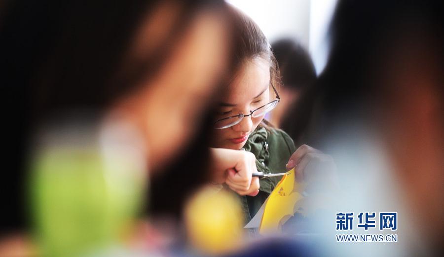 """天津:""""非遗""""文化走进大学课堂"""