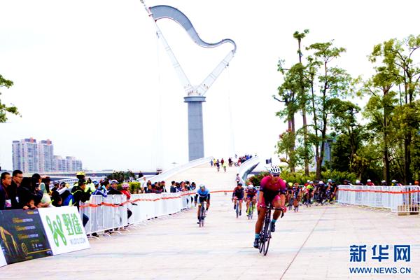 从青海高原到东南滨海:自行车让竞技无止境 让运动走向全民