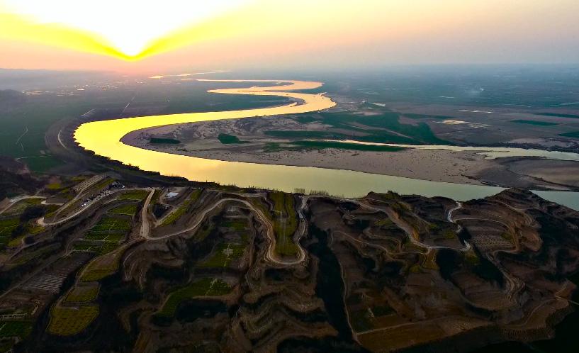 航拍:黄河十八弯.天河龙湾