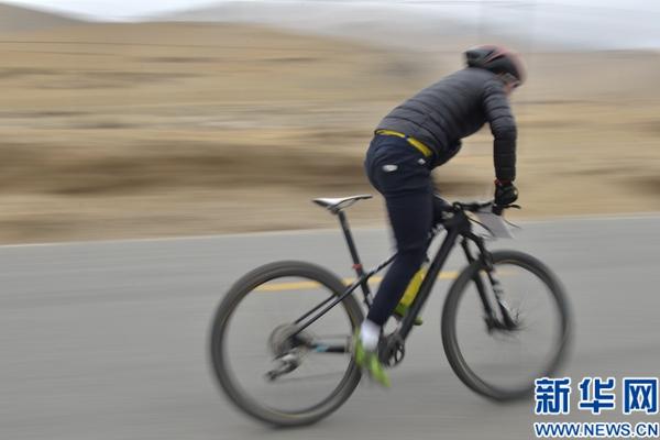 """环湖公益骑行:""""绿色出行""""倡导环保低碳生活"""
