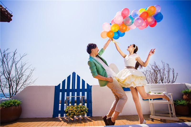 青岛草坪婚礼--中式流行元素结婚请柬
