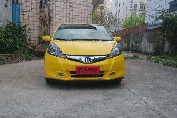 本田飞度 2011款 1.5L 自动豪华版高清图片