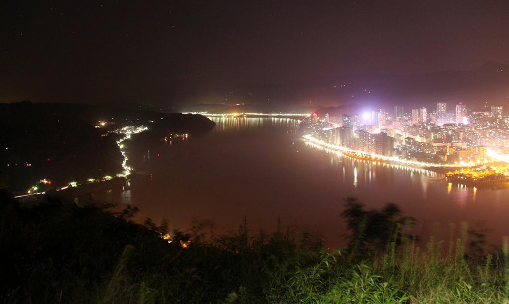 描述:我的家乡--重庆市忠县县城夜景